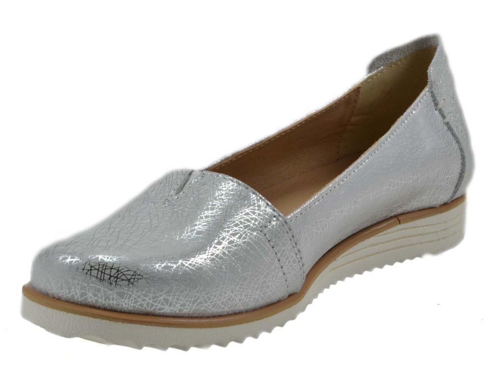 45e7eeee4284 Trendy v dámské kožené obuvi pro jaro 2019
